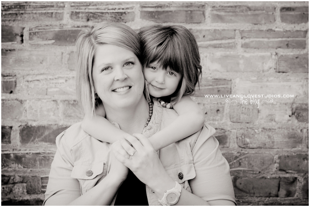 Minneapolis St. Paul MN Mother and child Photography   Live and Love Studios