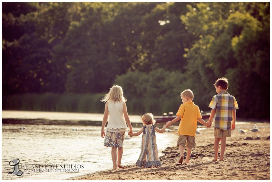 03-minneapolis-st-paul-minnesota-family-sibling-beach-photography
