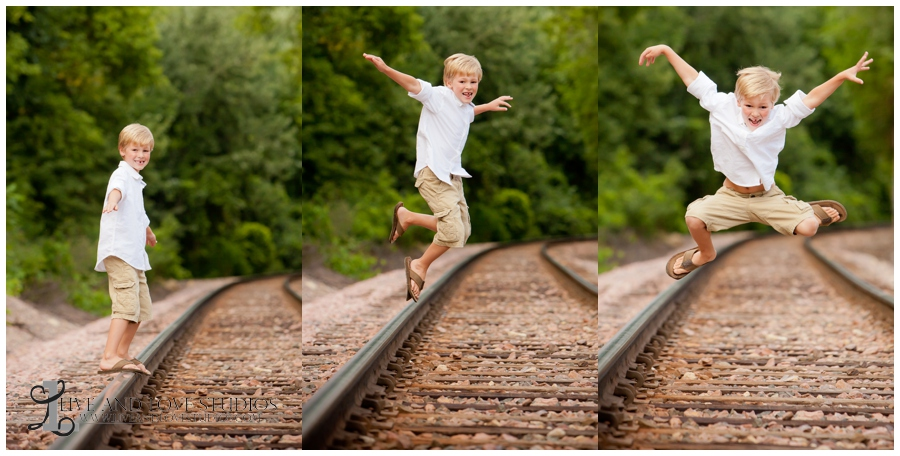 05-minneapolis-st-paul-minnesota-child-photography-railroad-tracks