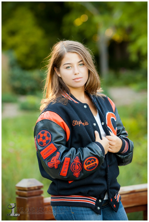 05-minneapolis-st-paul-minnesota-high-school-senior-photographer-letter-jacket