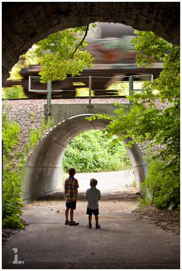 07-minneapolis-st-paul-minnesota-family-sibling-brothers-lifestyle-photography