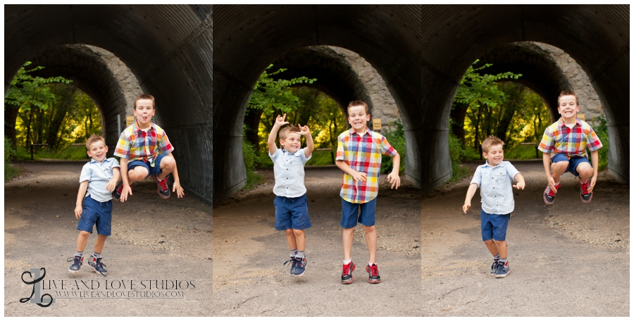 08-minneapolis-st-paul-minnesota-family-sibling-brothers-jumping-lifestyle-photography