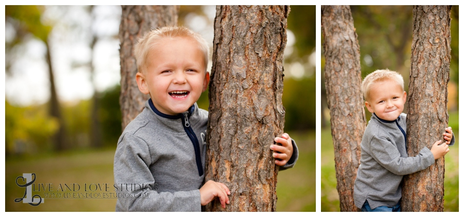 02-French-Park-Minneapolis-MN-Child-Photography-in-a-tree