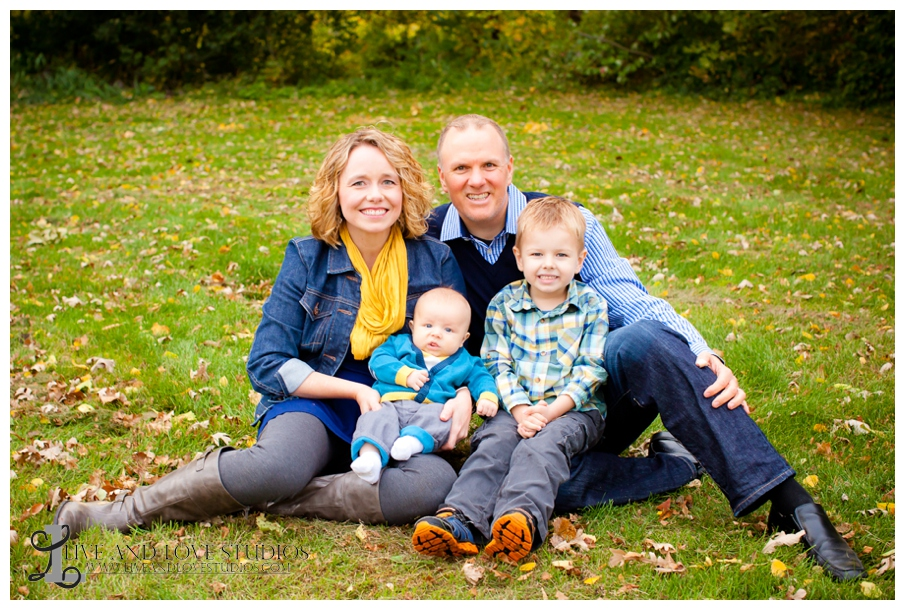 02-French-Park-Minneapolis-MN-Family-Fall-Photography