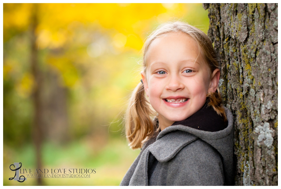 03-French-Park-Minneapolis-MN-Child-Fall-Photography