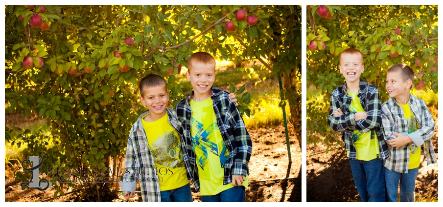 03-minneapolis-st-paul-mn-family-brothers-photography-apple-orchard