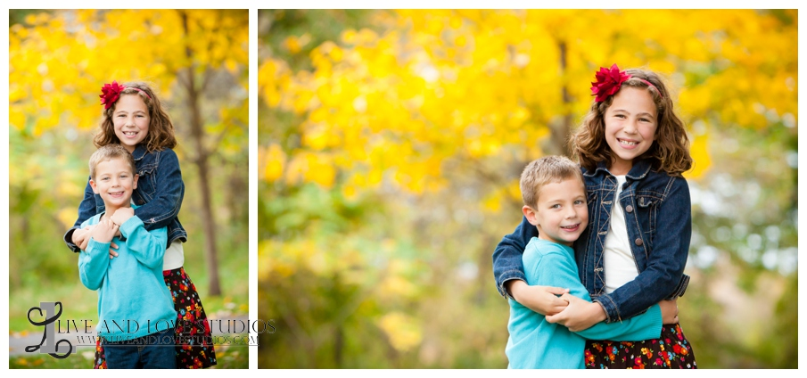 06-French-Park-Minneapolis-MN-Family-Fall-Photography-siblings-brother-and-sister