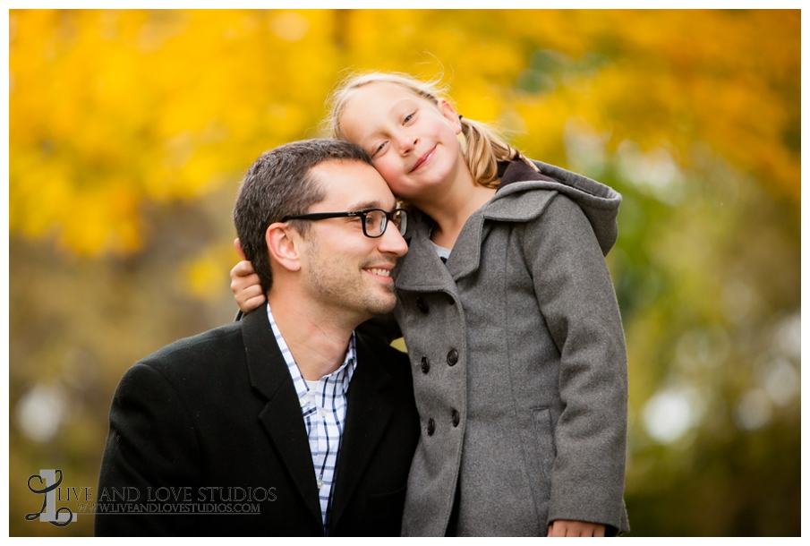 07-French-Park-Minneapolis-MN-Family-Fall-Photography-Father-and-Daughter