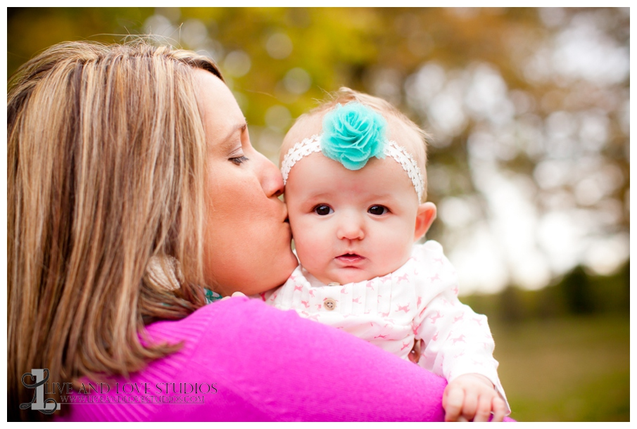 08-French-Park-Minneapolis-MN-Family-Photography-Mother-and-Daughter