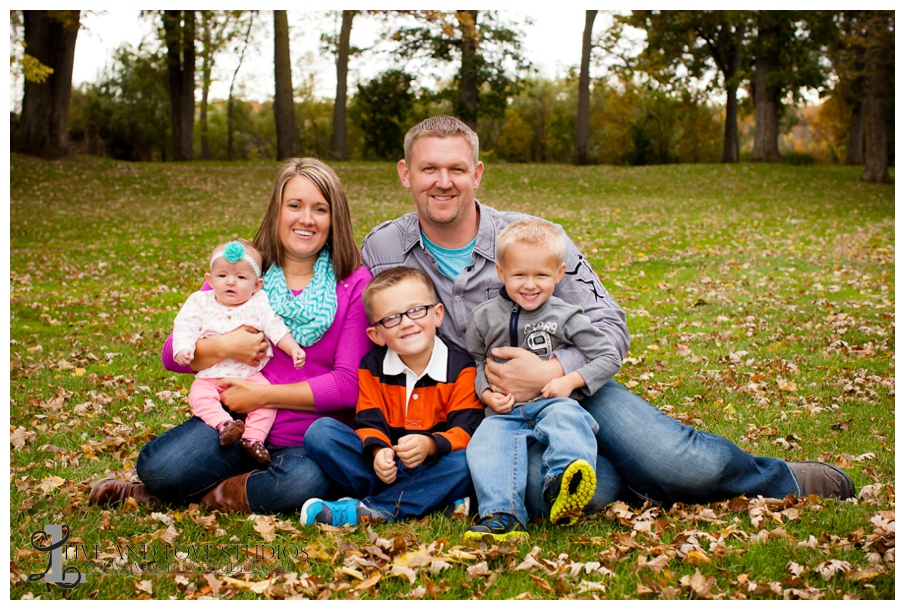 09-French-Park-Minneapolis-MN-Family-Fall-Photography