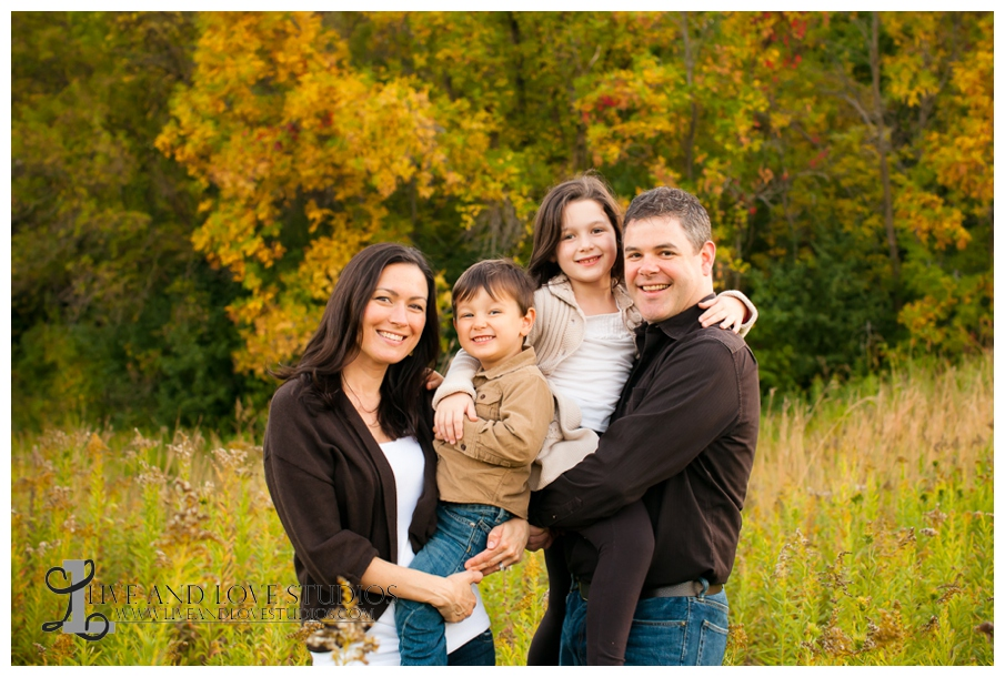 09-Minnepolis-St-Paul-MN-Family-field-fall-colors-Photography