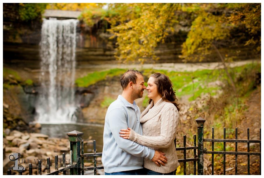 14-minneapolis-st-paul-mn-engagement-and-wedding-photographer-waterfall