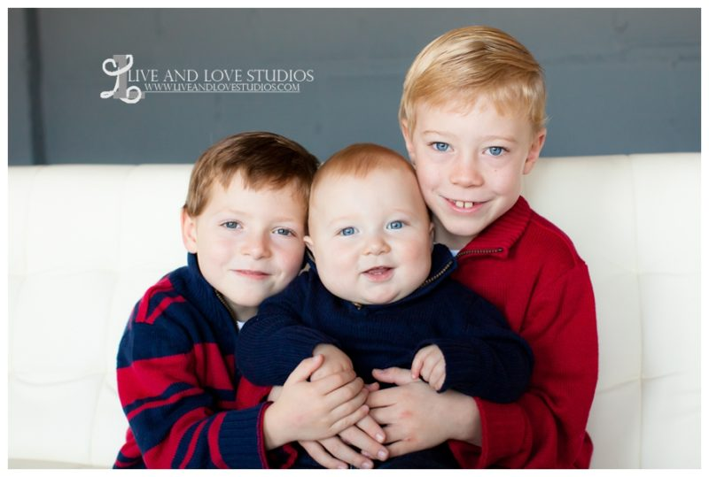 02-minneapolis-st-paul-family-studio-photographer-siblings-brothers