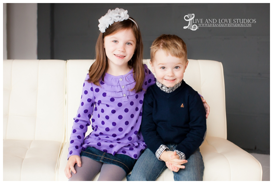 02-minneapolis-st-paul-family-studio-photography-siblings-brother-sister