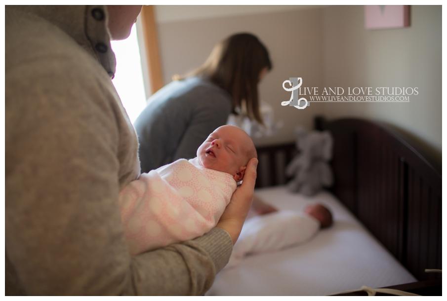 11-minneapolis-st-paul-newborn-lifestyle-photography