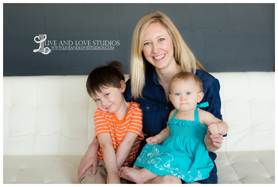 Minneapolis-St-Paul-MN-Mothers-Day-Photographer_0001.jpg