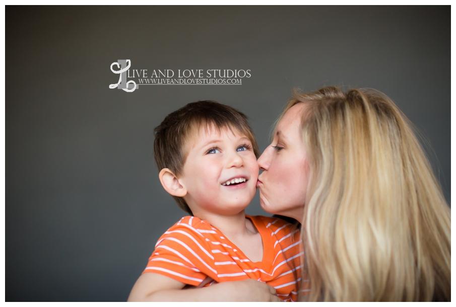Minneapolis-St-Paul-MN-Mothers-Day-Photographer_0002.jpg