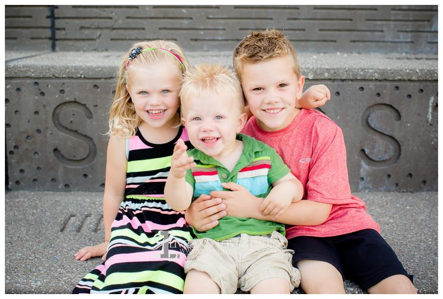 Minneapolis-St-Paul-MN-Natural-Light-Urban-Family-Photographer_0017.jpg