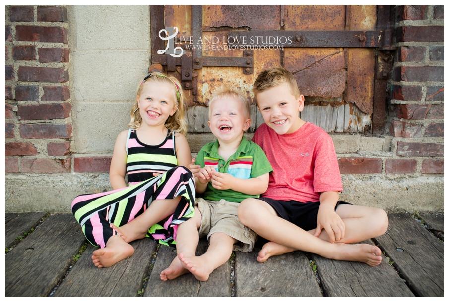 Minneapolis-St-Paul-MN-Natural-Light-Urban-Family-Photographer_0020.jpg