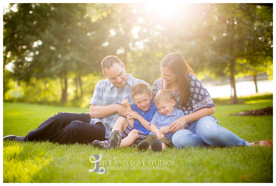 Minneapolis-St-Paul-MN-Child-and-Family-Photographer-brothers-park_0012.jpg