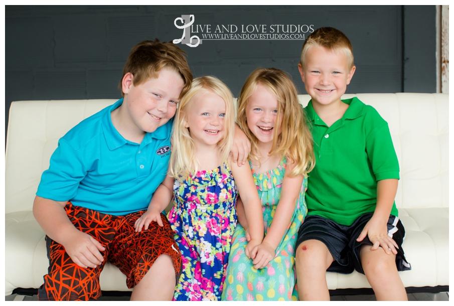 Minneapolis-St-Paul-MN-Child-and-Family-Studio-Photography_0001.jpg
