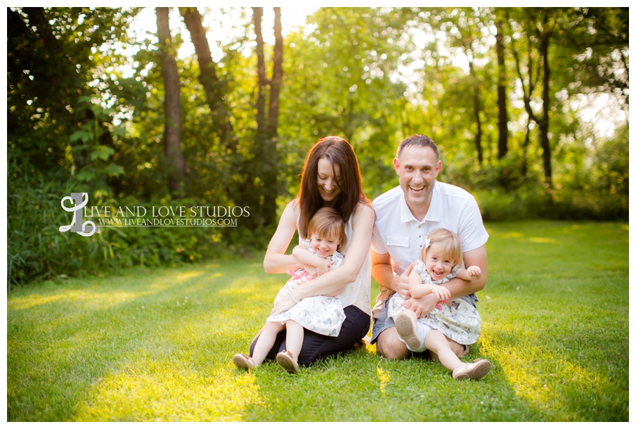 Plymouth-MN-Child-Family-twin-girls-Photography_0001.jpg