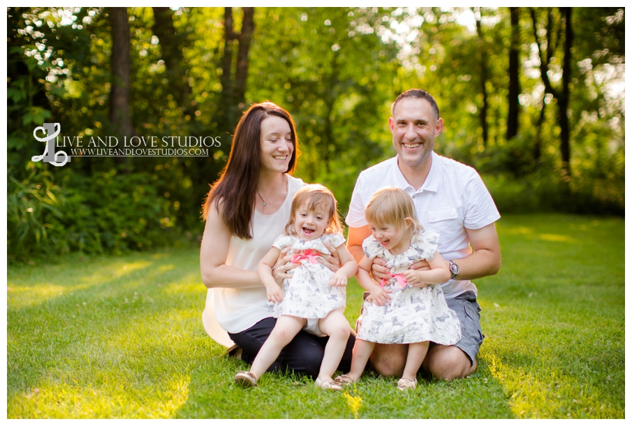 Plymouth-MN-Child-Family-twin-girls-Photography_0002.jpg