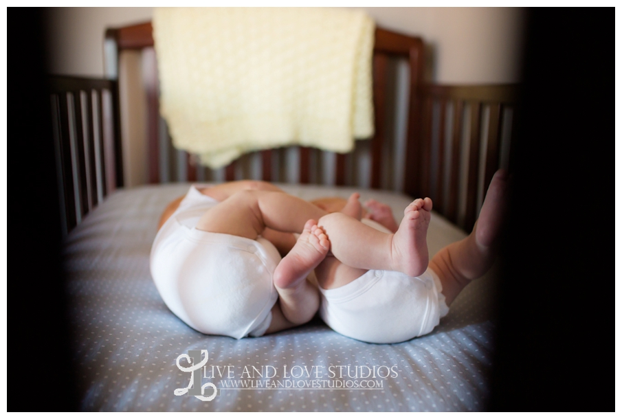 Minneapolis-Eagan-MN-Lifestyle-Newborn-Photography_0006.jpg