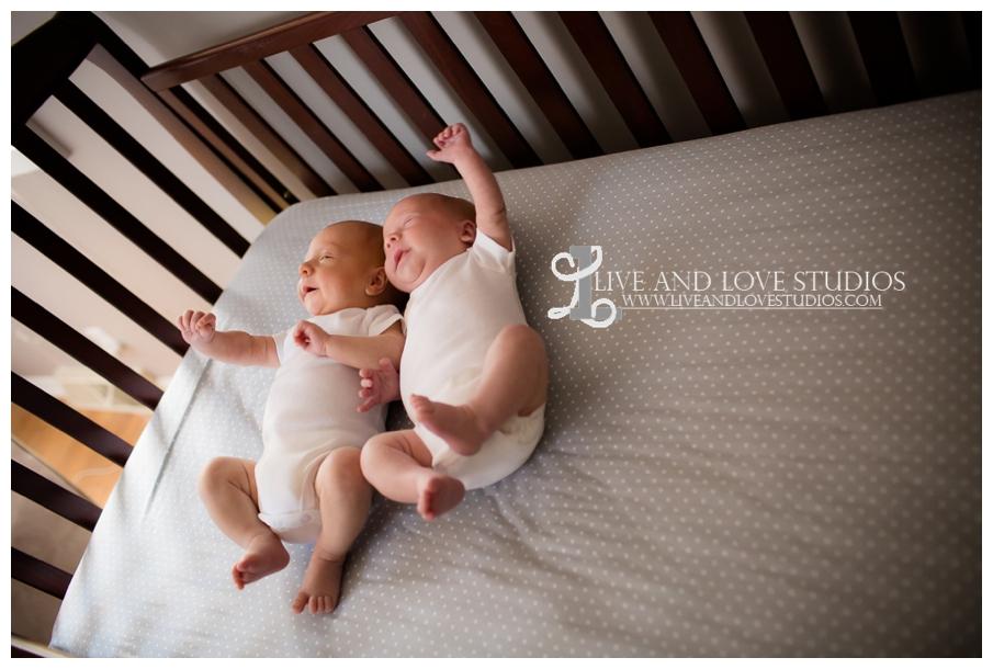 Minneapolis-Eagan-MN-Lifestyle-Newborn-Photography_0007.jpg