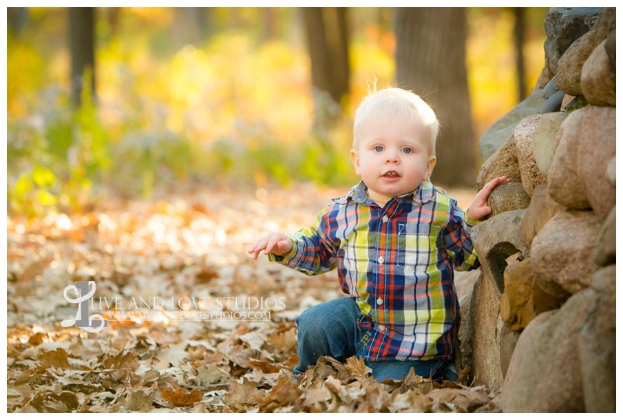 Minneapolis-Hopkins-MN-Family-Child-Photography-fall-colors_0008.jpg