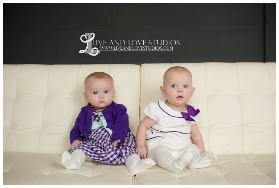 Minneapolis-St-Paul-MN-Family-Infant-Studio-Photographer-twin-girls_0005.jpg