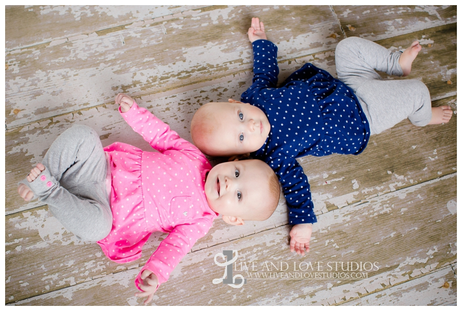 Minneapolis-St-Paul-MN-Family-Infant-Studio-Photographer-twin-girls_0011.jpg