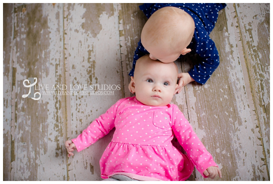 Minneapolis-St-Paul-MN-Family-Infant-Studio-Photographer-twin-girls_0012.jpg