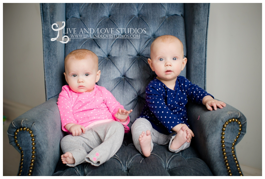 Minneapolis-St-Paul-MN-Family-Infant-Studio-Photographer-twin-girls_0013.jpg