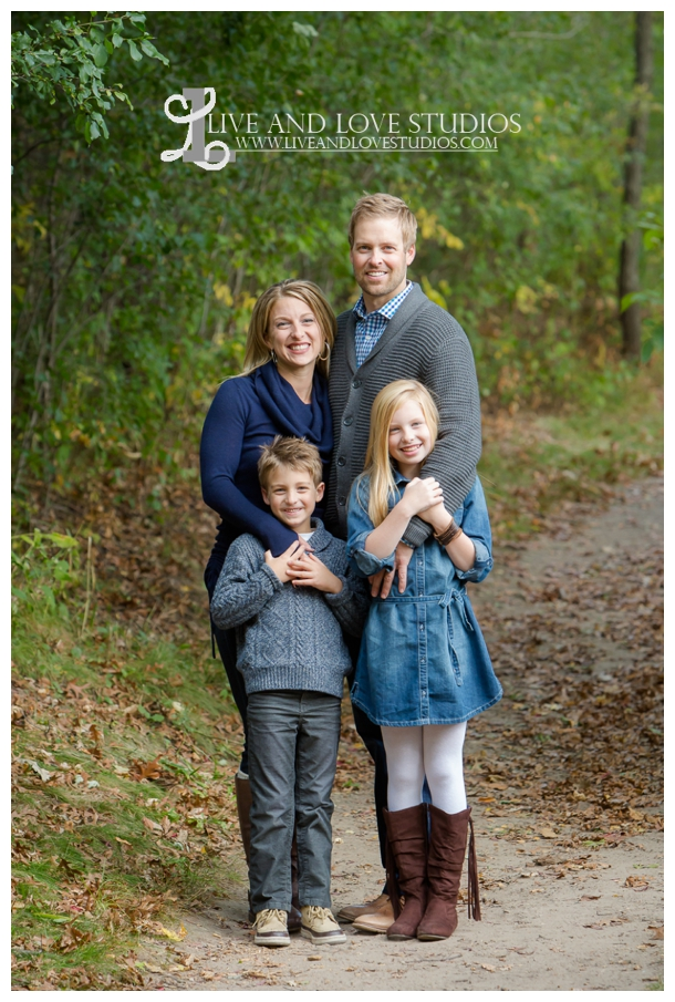 St-Paul-Eagan-MN-Child-Family-Photographer-park-in-the-fall_0001.jpg