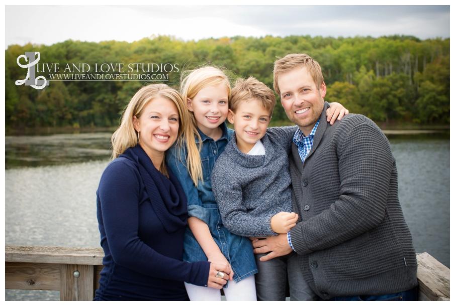 St-Paul-Eagan-MN-Child-Family-Photographer-park-in-the-fall_0003.jpg