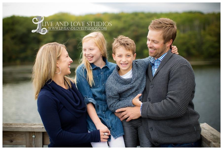St-Paul-Eagan-MN-Child-Family-Photographer-park-in-the-fall_0004.jpg