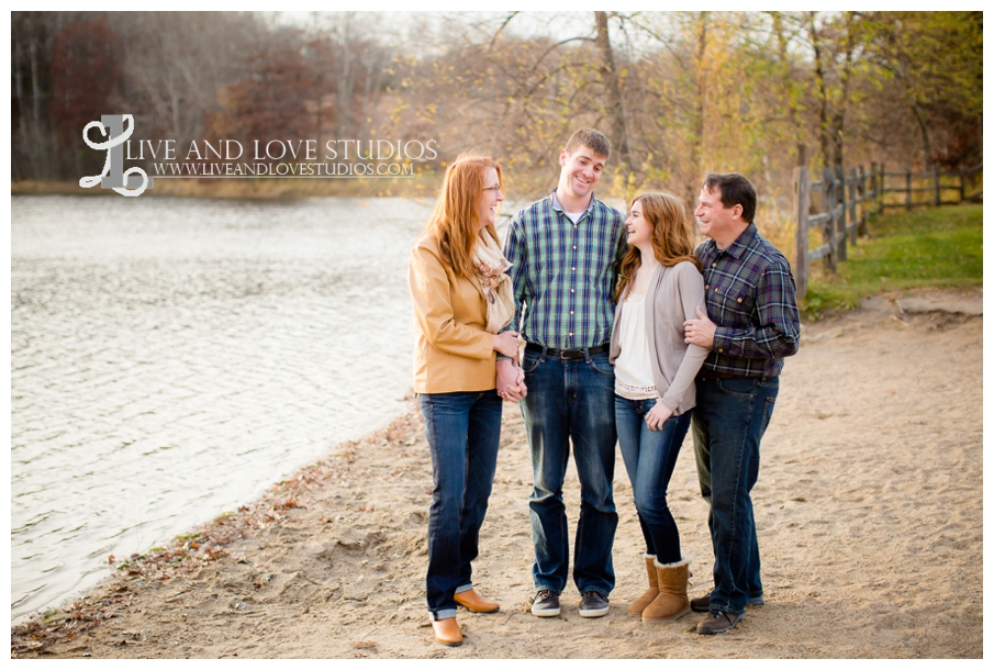 St-Paul-Eagan-MN-Family-Photographer-park-fall-colors_0008.jpg