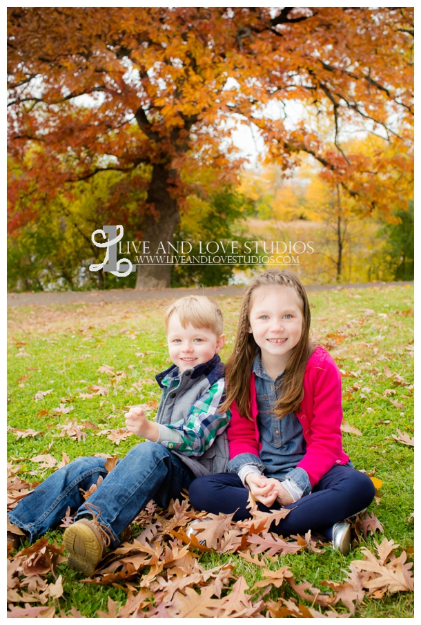 St-Paul-MN-Family-Child-Photography-fall-colors_0005.jpg