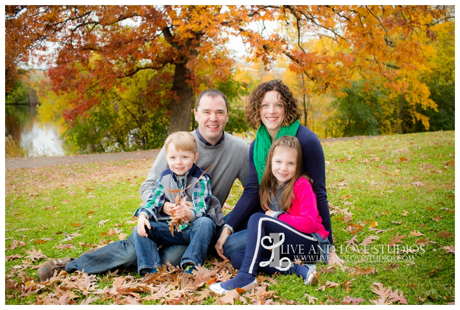 St-Paul-MN-Family-Child-Photography-fall-colors_0006.jpg