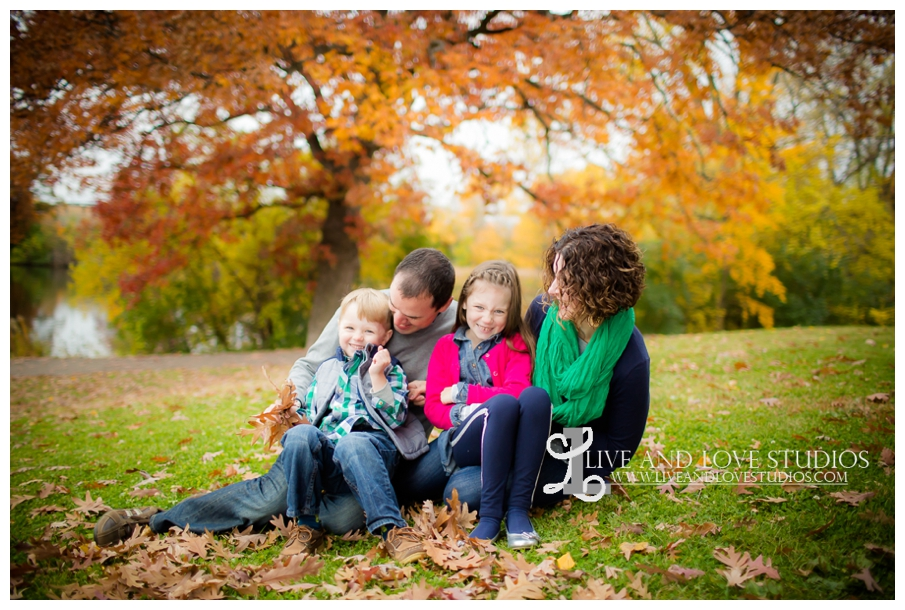 St-Paul-MN-Family-Child-Photography-fall-colors_0007.jpg