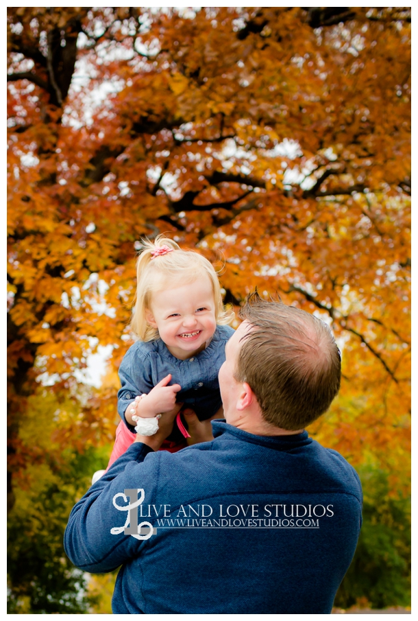St-Paul-MN-Family-Child-Photography-fall-colors_0010.jpg