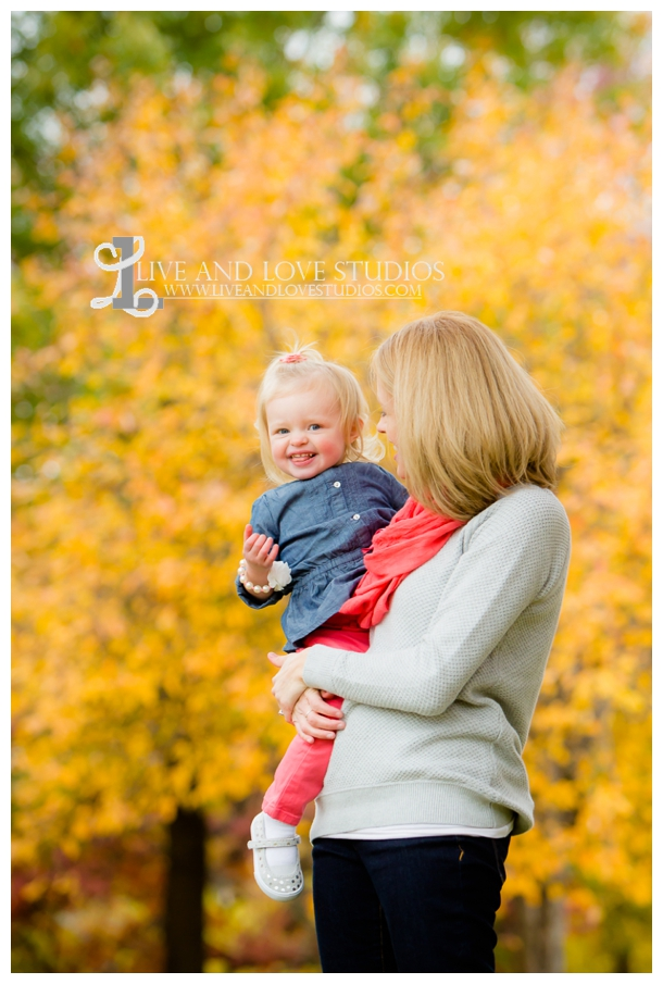 St-Paul-MN-Family-Child-Photography-fall-colors_0011.jpg