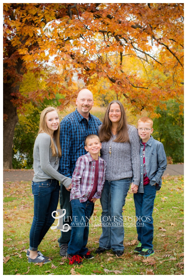 St-Paul-MN-Family-Child-Photography-fall-colors_0019.jpg