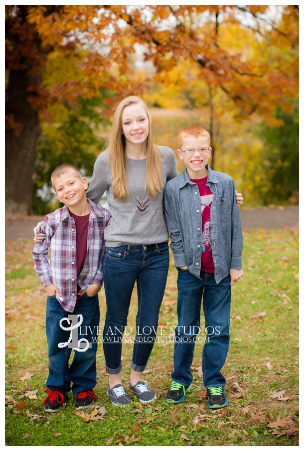 St-Paul-MN-Family-Child-Photography-fall-colors_0020.jpg