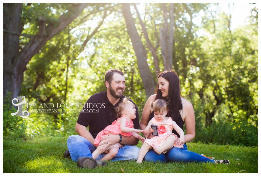 minneapolis-st-paul-mn-child-family-photography-twin-girls_0010.jpg