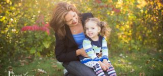 Juliana & Katya :: Eagan MN Mother and Daughter Family Photographer