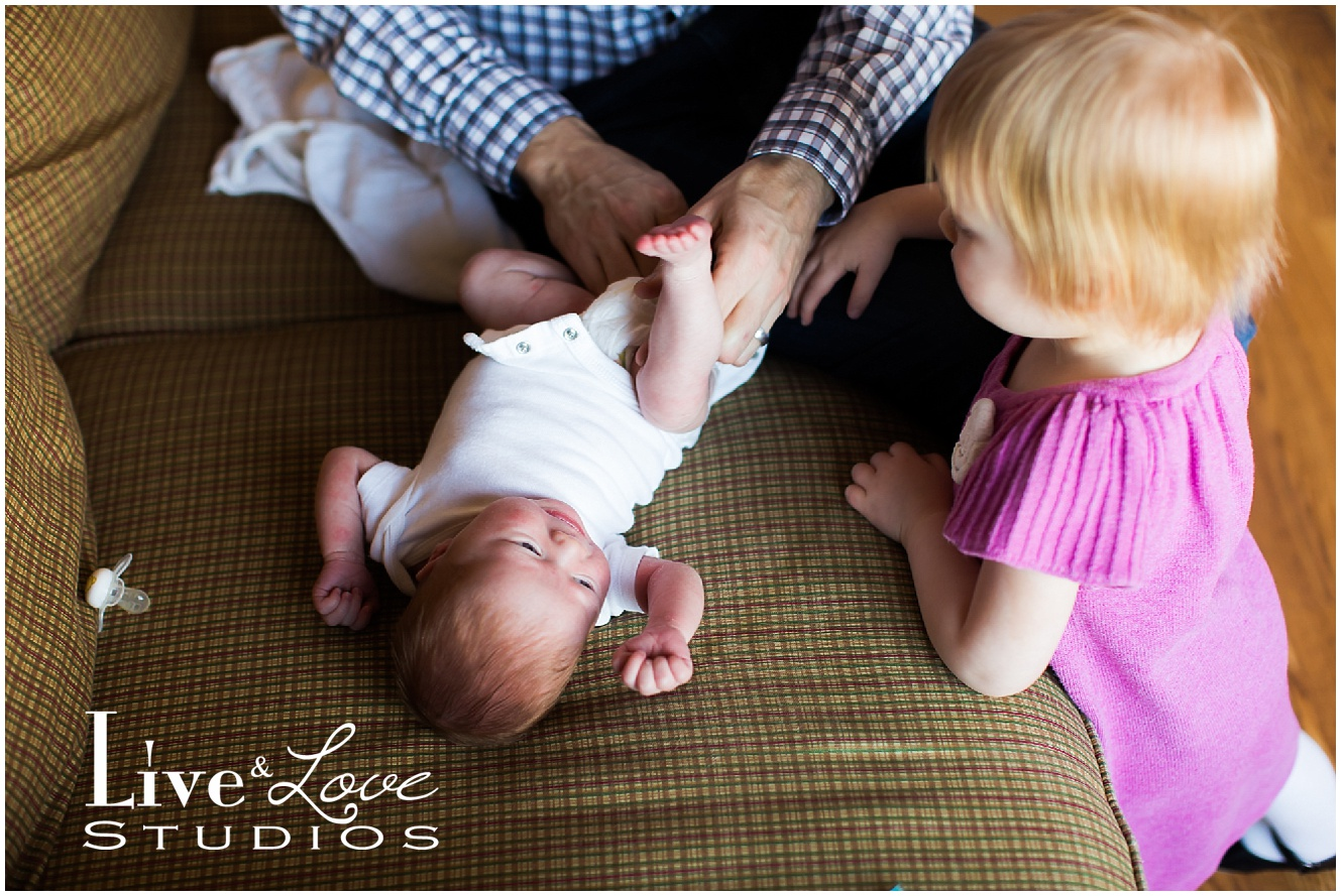 shakopee-mn-newborn-child-lifestyle-family-photographer_0017.jpg
